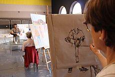 Bild einer zeichnenden Person