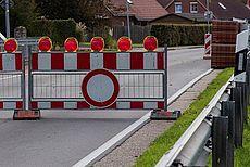 Beispielhaftes Bild einer Straßensperre