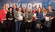 Gruppenfoto der Gleichstellungsbeauftragten mit Harm-Uwe Weber