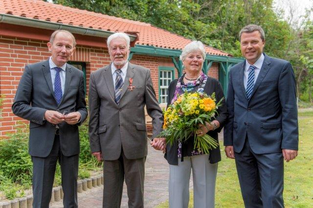 Hohe Auszeichnung Fur Einen Pionier Des Vogelschutzes Landkreis Aurich